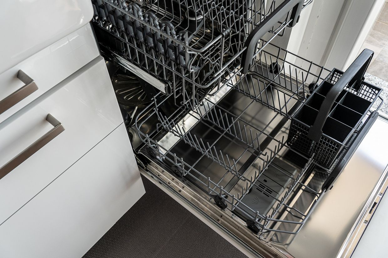 How To Clean Your Dishwasher Hands-free With White Vinegar