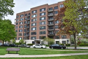 1500 hinman ave 204 evanston il 60201 homes by marco for Garage builders evanston il