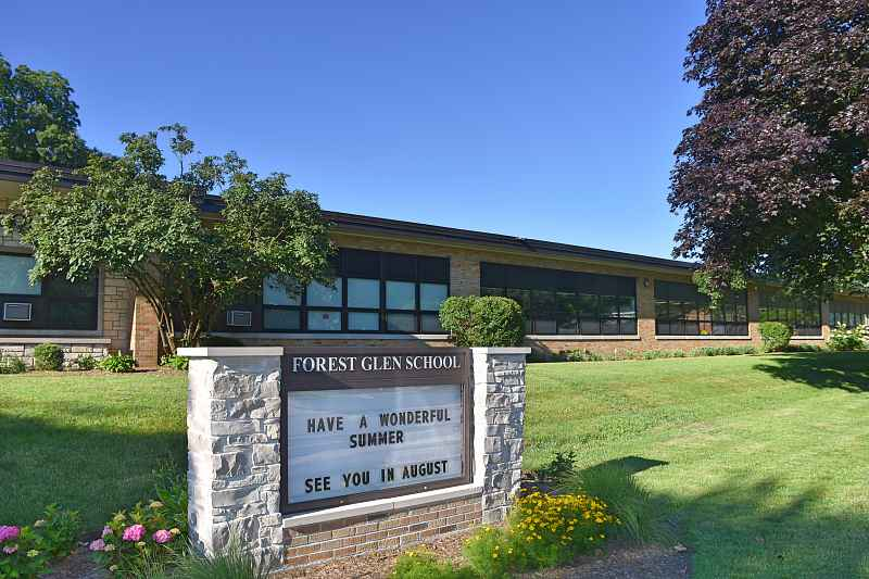 Photos of Forest Glen Elementary School