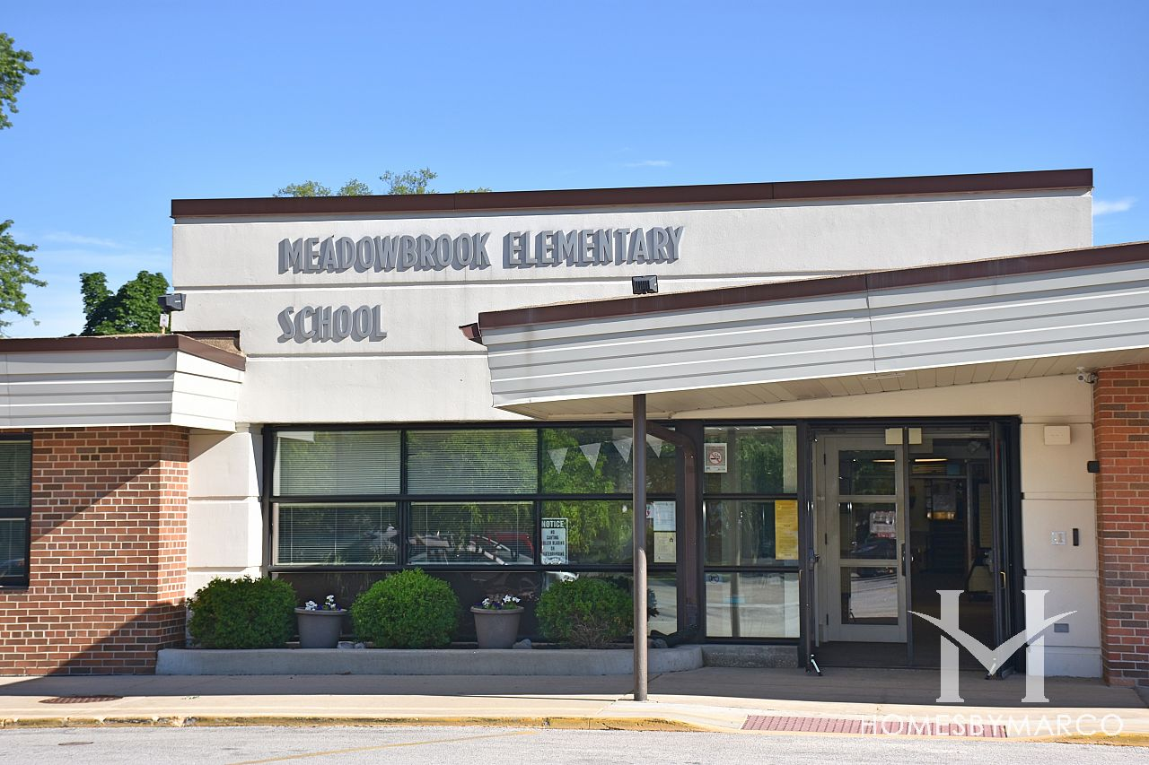 Meadowbrook elementary school in northbrook il homes for for The meadowbrook