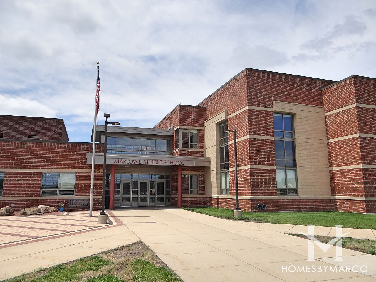 Marlowe Middle School in Lake in the Hills, IL, Homes For ...