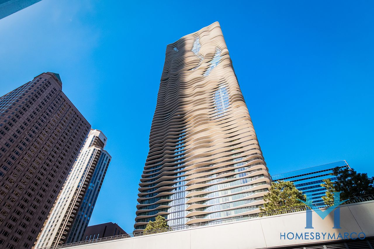 Aqua Condominiums Loop In Chicago Illinois At 225 N