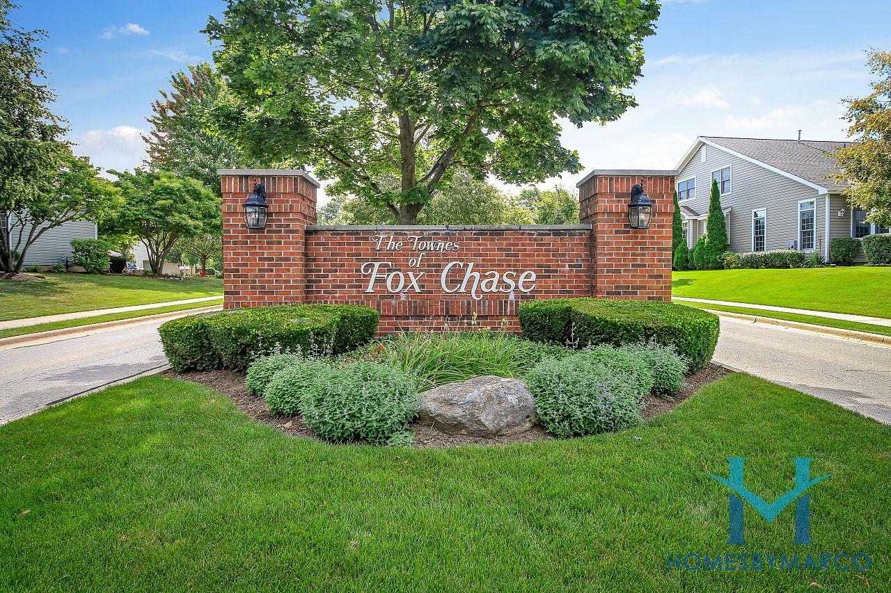 Townes Of Fox Chase Subdivision In St. Charles, Illinois