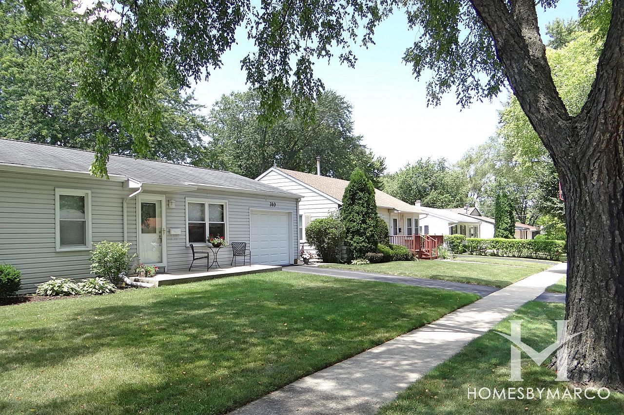 buffalo grove singles Real estate in buffalo grove is a balanced market favoring  the average market time for a single family homes to sell in buffalo grove last month was 23 .