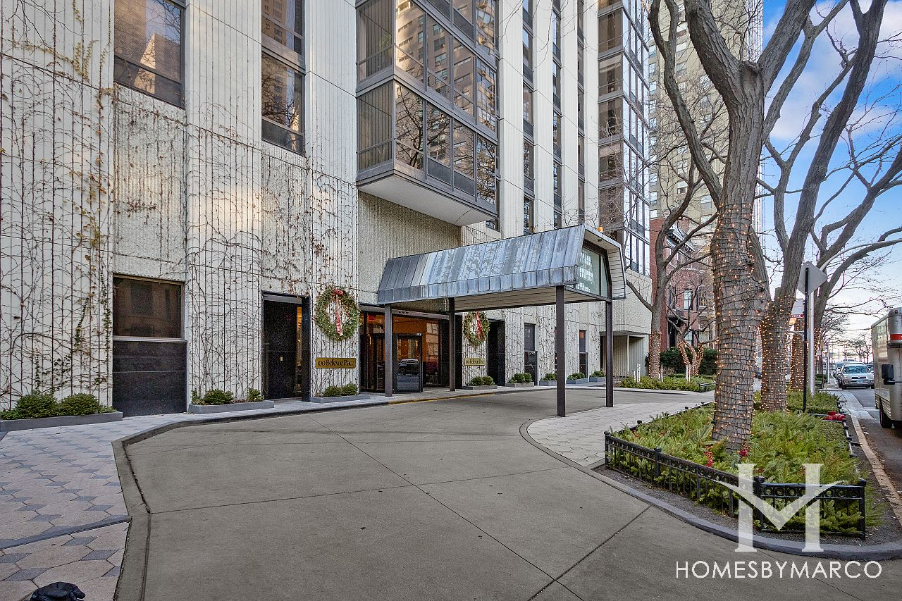 100 Bellevue Gold Coast In Chicago Illinois Condos For